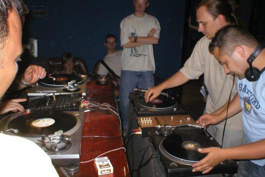 DJ KURS Czy warto się szkolić na DJ 'a?
