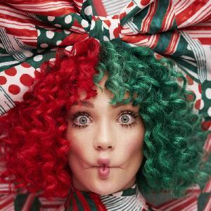 """Sia na święta Bożego Narodzenia - """"Santa's Coming For Us"""""""